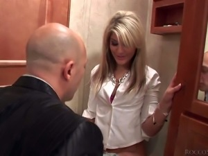 Tara White is a flirtatious blonde beauty with perky round ass and neatly...