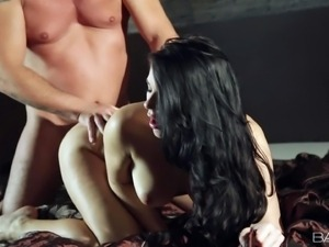 Pornsharing.com porno videoclip - Lucy Li is a babelicious young brunette...