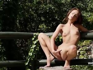 brunette and outdoor fingering vagina