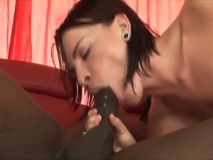 Whore bounces her white ass on black cock