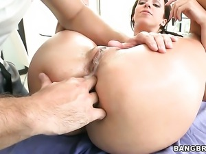 Jada Stevens with phat booty is on the way to orgasm with hard love stick...