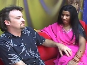 pussy licking an ugly indian slut @ girls of the taj mahal 15