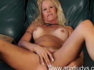 Sexy blond housewife Yvette Williams introduces herself in this video clip...