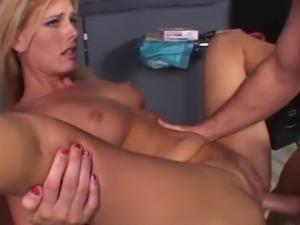 Darryl Hanah loves sucking on it & squirting