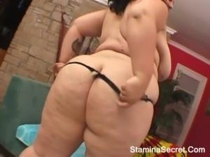 Hot Chubby Babe Do A Titfuck free