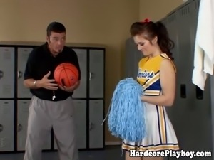 Cheerleader babe dicked deeply