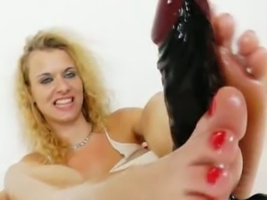 Anita vixen demonstrates foot job talent on dildo