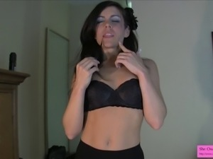 Annabelle Genovisi is looking especially sexy in her tight black leggings and...