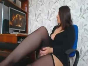 Curves girl masturbating when watching porn free