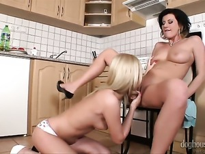 Well-experienced whore gets unbelievable sexual pleasure with lesbian Olivia
