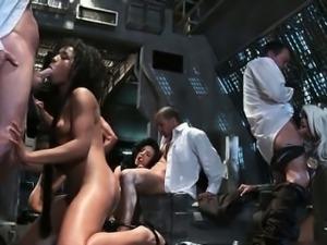Nasty ebony and blonde sluts go crazy