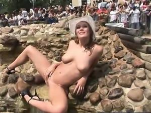 crazy risky exposure amateur girls