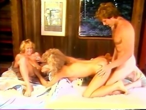 Team entertainment of Erotic blonde