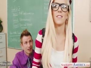 Geeky schoolgirl Halle Von fuck in classroom free