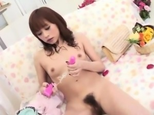 Serious solo play along young Miina Yoshihara
