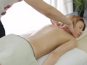 A Smut scarlet head massage