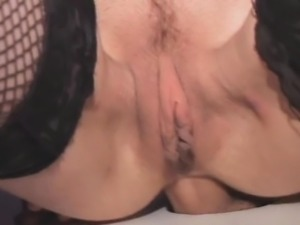 Newly Divorced Brunette Ass To Mouth Through Glory Hole