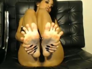 Big-Titted dolls Masturbating beside her Toy till she cumming
