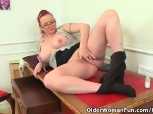 British milf Summer Angel Lee loves anal dildoing
