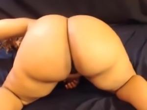 Spread That Fat Ass Bitch