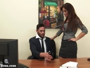 MILF Boss Seduces Her Pervy New Employee!