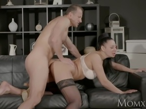 MOM Big tits Milf gives deep blow job before getting fucked