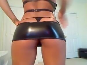 Busty latex cam
