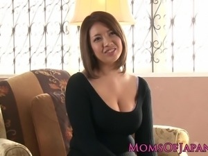 Busty japanese milf enjoys deepthroating after toy play