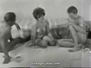 Dice Undressers Fucking in a Threesomes (1960s Vintage)