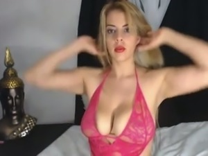 I consider myself lucky to find this big breasted webcam model