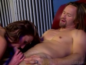 Mega busty brunette hoe Brittney Bunny had steamy oral sex with her stud on...