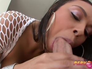 PervCity Big Ass Beauty Swallows Big DIck