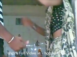 Hot Married Bhabhi Big Boobs Pressed and Sucked by Dewar - hotshortclips.in