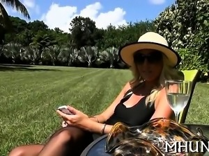 Wicked milf turns out to be good at riding on rod