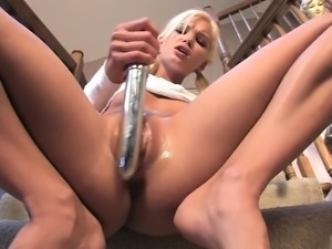 Me Squirting On The Stairs - more on Chaturbate666 com