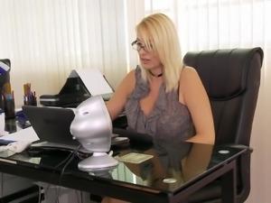 WANKZ- Boss Lady Getting Her Junk Licked