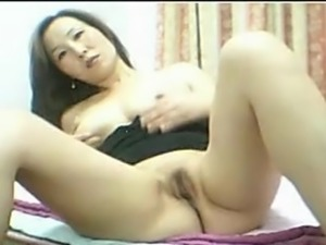 Beautiful Chinese big tits babe solo masturbation