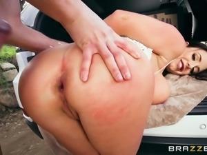 big butt on the roadside