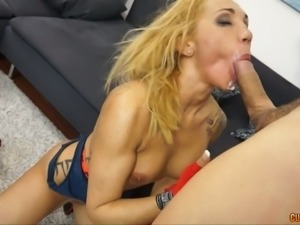 Fabulous and sporty blonde chick in the park seduced and fucked on cam