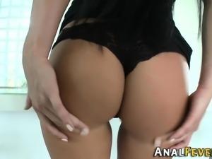 Roundassed slut jizz soak