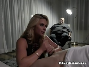Mature Hoe Phoenix Marie Plays With Neighbors Cock