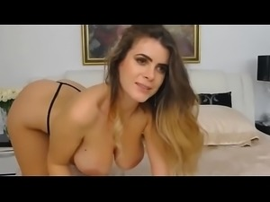 Milf with Hot body show cam private on- SlutCamxx.com