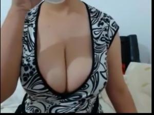 Big boobs showing off