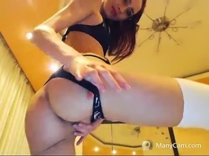 Hot body redhead amateur plays with her toys