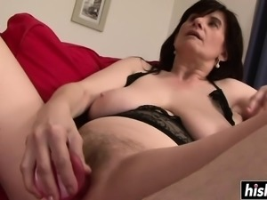 Mature Janicka enjoys herself before the BBC