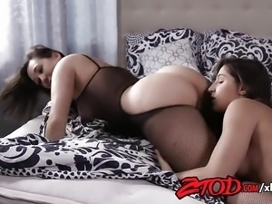 Girl on Girl Strap-on Fuck with Sinn Sage and Abella Danger
