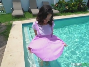 Kiley Jay gets out of the pool and receives a pulsating wiener