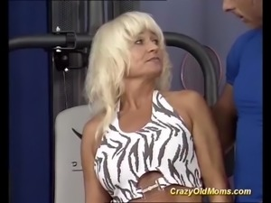 extreme sporty german muscle moms pierced pussy gets deep fucked by her trainer