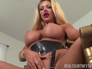 Courtney Taylor gets frisky with a vibrator during a solo game