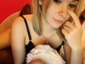 Webcam girl fucks her ass with big toys